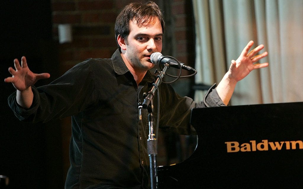 Fountains of Wayne Singer Adam Schlesinger Dies From COVID-19 Complications
