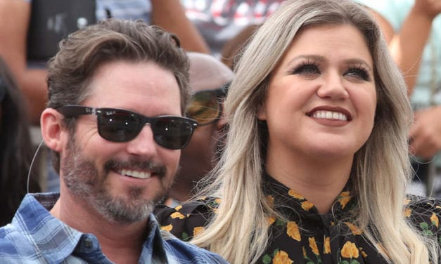 """Kelly Clarkson's Marriage Issues Had been """"Exacerbated"""" During Quarantine"""