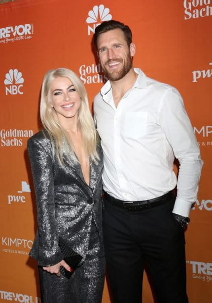Julianne Hough & Brooks Laich Are NOT Over? Source States The Dancer Wants The girl Estranged Husband Back!