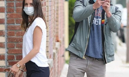 Bill Affleck And Ana sobre Armas Emerged From Concealing After Several Long Several weeks Away From The Cameras